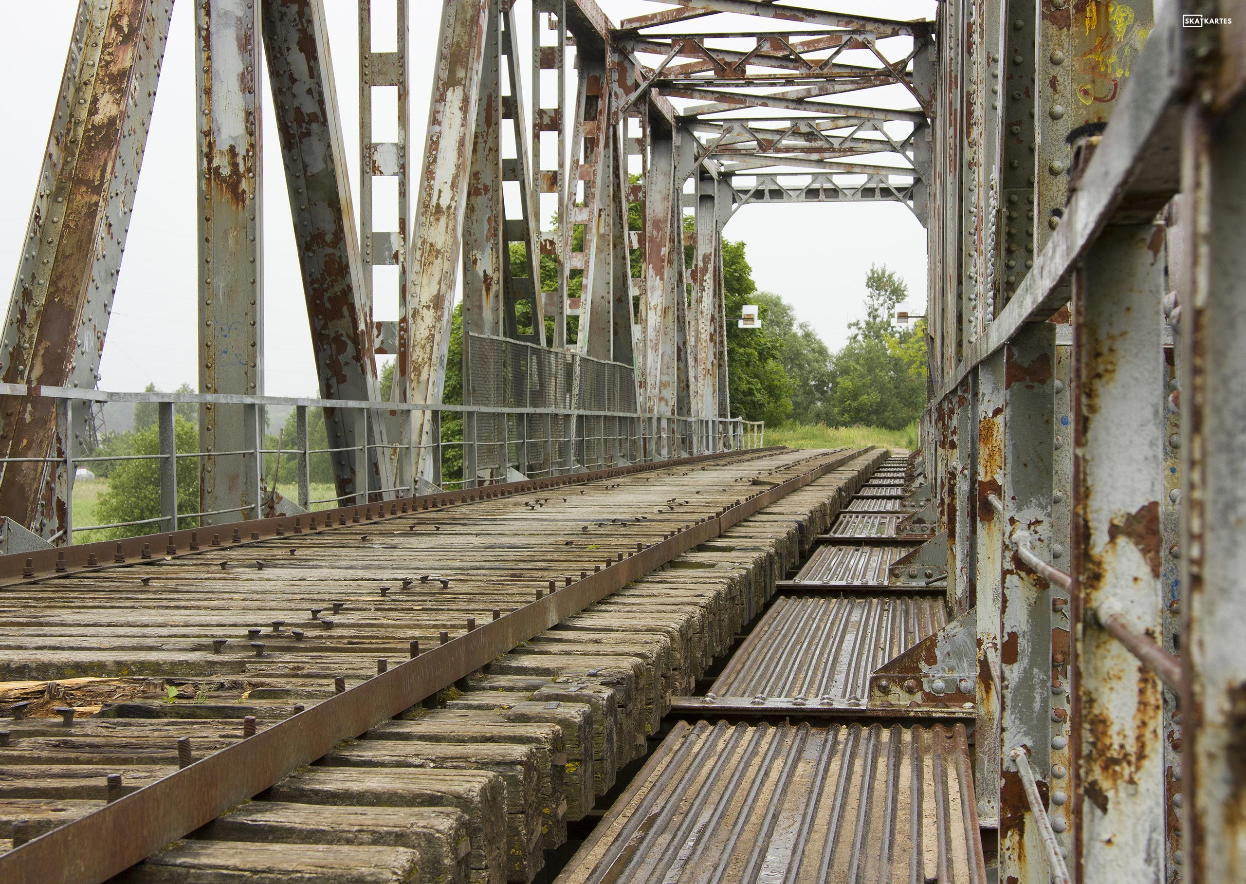 Skatkarte Nr. 1186 - Vecais, pamestais Juglas dzelzceļa tilts (2015. gada aprīlis).